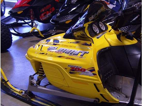 Ski-Doo Summit 700