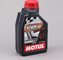 Масло вилочное Motul Fork Oil Factory Line Light/Medium 7.5W, 1 л